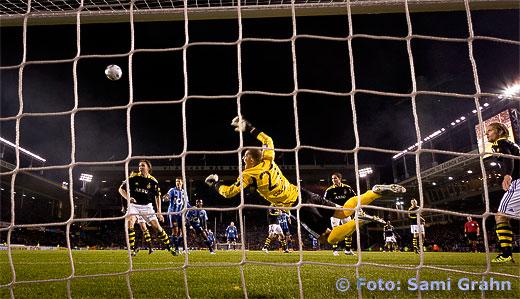 AIK Ivan Turina räddar i slutminuterna