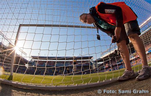 Riggar målkamera inför kvällens landskamp på Råsunda