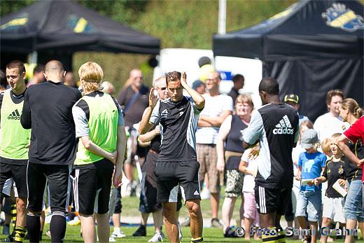 AIK 2 Niklas Backman bjuder på öppen träning