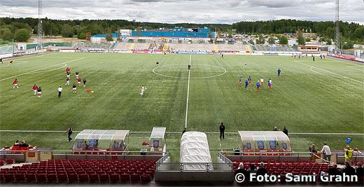 Uppvärmning på Södertälje Fotbollsarena inför matchen mellan Assyriska FF och Värnamo