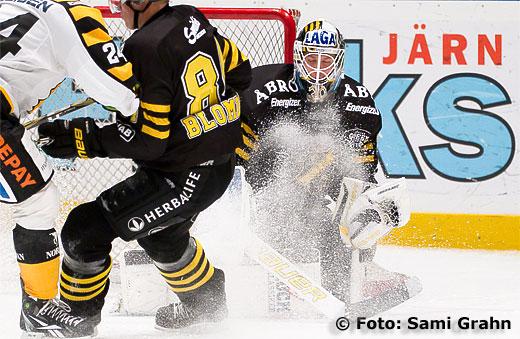 AIK målvakt 30 Viktor Fasth in action