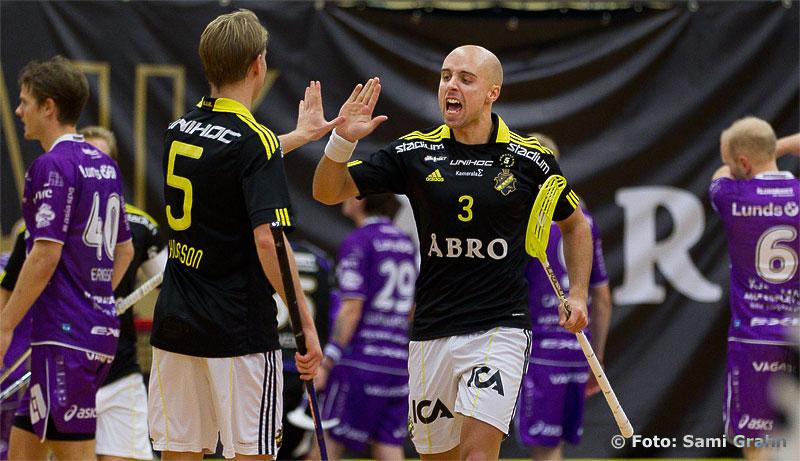 Målskytten AIK 3 Alexander Egebrant och AIK 5 Daniel Thorsson
