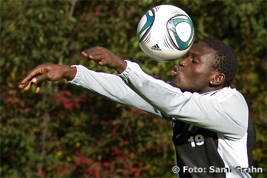 AIK värvar det unga löftet Crespo Hassan Kamara