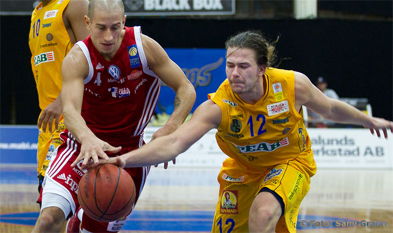 Uppsala Basket 4 Mannos Nakos och Solna Vikings 12 Willy Beck