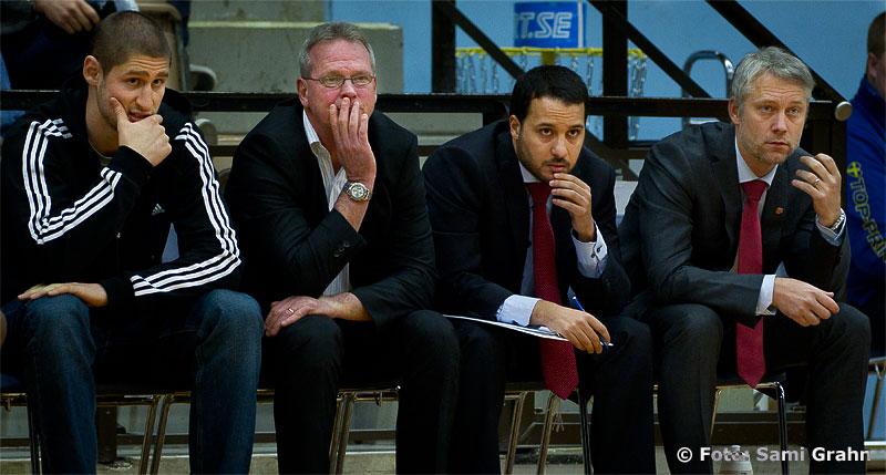 Uppsala Basket coaocher: Kelly Grant , Kevin Gaines , Bo Eriksson