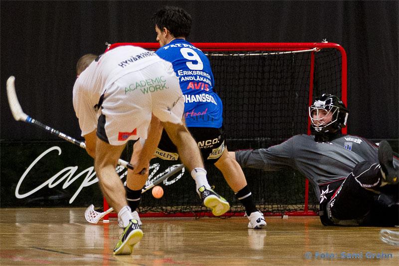 Mål av Caperiotäby 27 Rickie Hyvärinen bakom Sirius 1 Petter Nilsson
