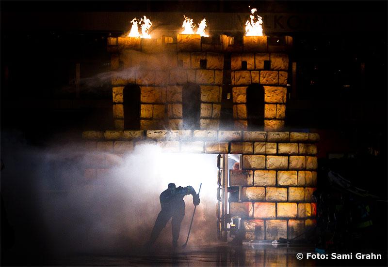 AIK gör entré med rök och eld