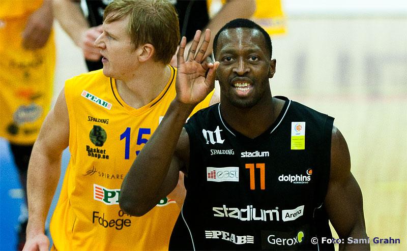 Norrköping 11 Oladapo Ayuba är glad