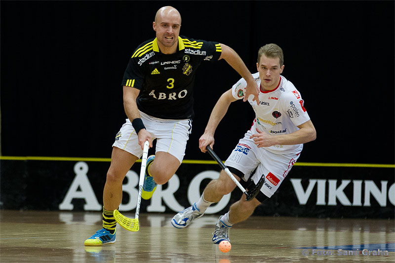 AIK 3 Alexander Egebrant drar ifrån Pixbo 41 Isaac Rosén