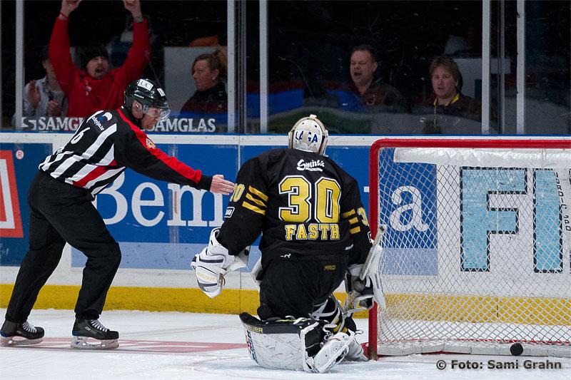 AIK 30 Viktor Fasth släpper in matchens enda mål