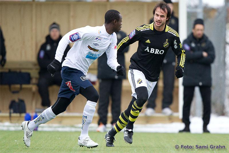 AIK 7 Helgi Danielsson skäller ut Gefle 25 Joachim Adukor