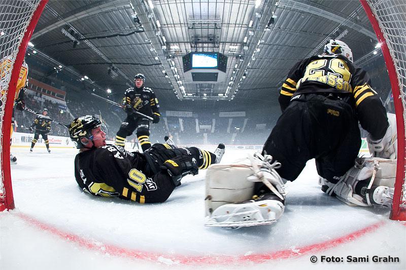 AIK 10 Richard Gynge och AIK 29 Markus Svensson