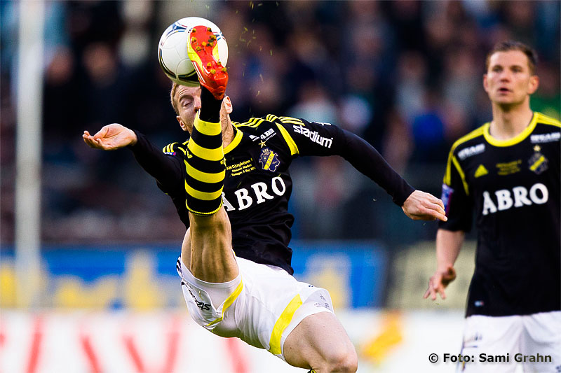 AIK 3 Per Karlsson cykelsparkar
