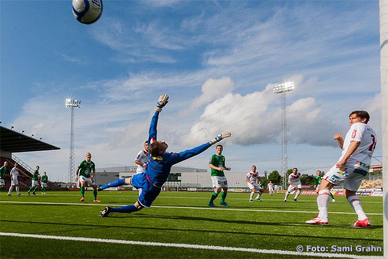 Jönköpings enda mål gjordes av 18 Jonathan Drott bakom Assyriska 27 Robin Malmkvist