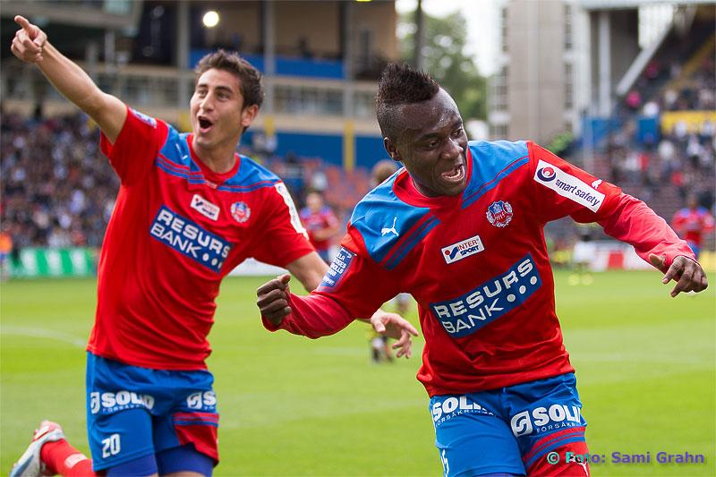 Helsingborg 25 David Accam jublar efter sitt 0-1-mål