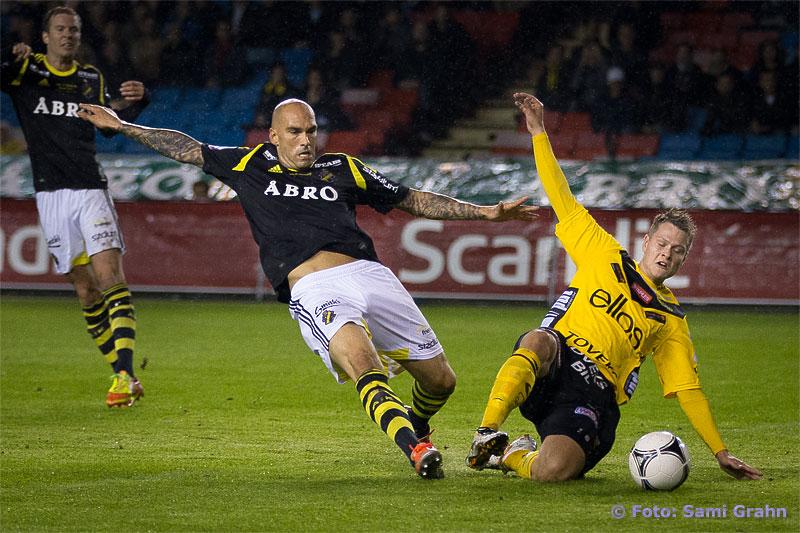 AIK 45 Daniel Majstorovic får inte stopp på Elfsborg 16 Viktor Claesson som gör mål