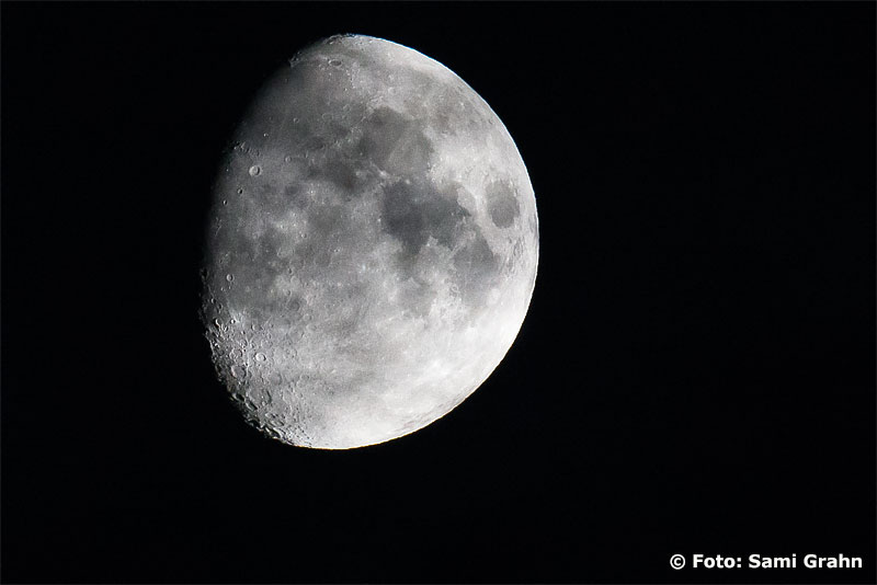 Den riktiga månen över Skytteholm