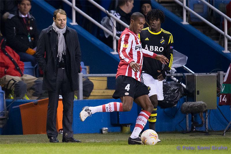 AIK:s tränare Andreas Alm ler glatt åt AIK 75 Mohamed Bangura