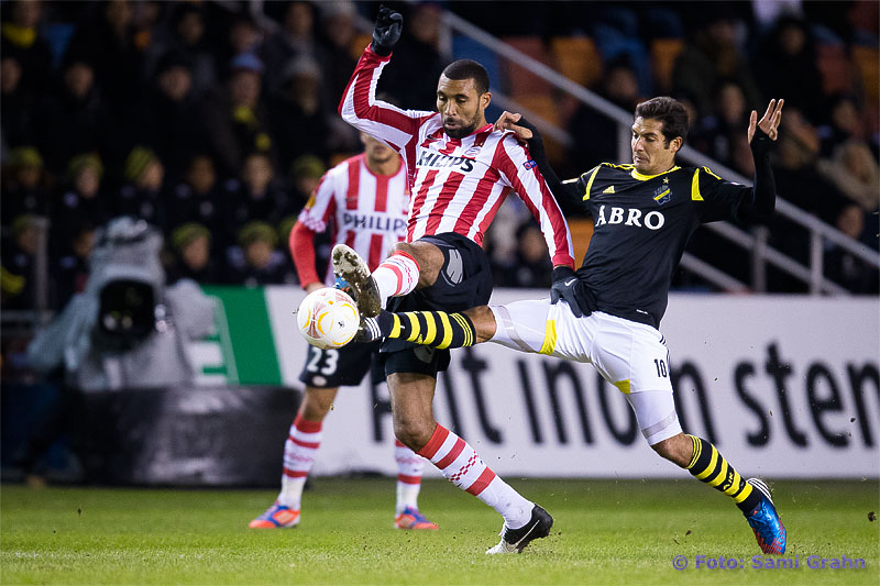 PSV 16 Orlando Engelaar och AIK 10 Celso Borges