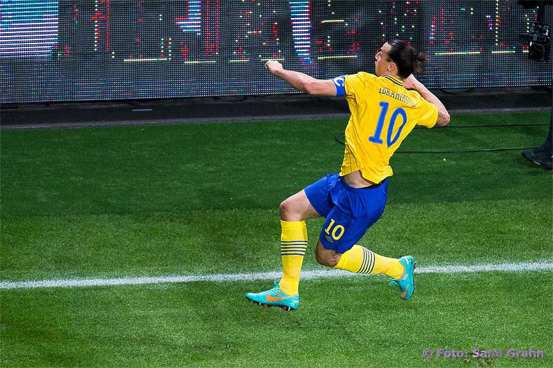 Zlatan Ibrahimovic firar ett av sina fyra mål