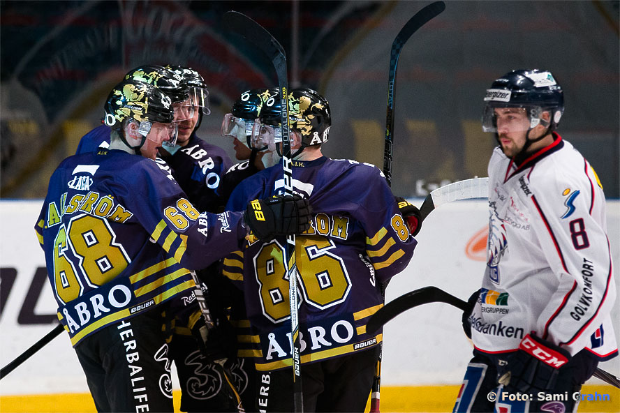 AIK-jubel efter mål av AIK 13 Joakim Nordström