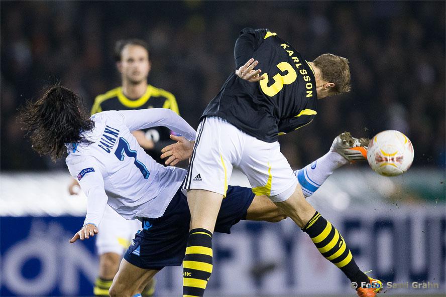 AIK 3 Per Karlsson och Napoli 7 Edison Cavani