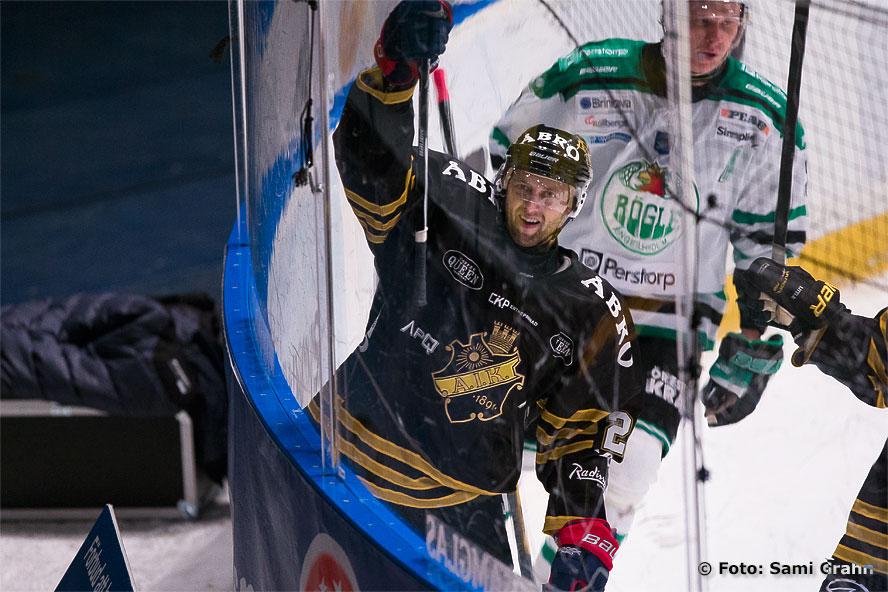 AIK 20 Kristian Huselius är glad efter sitt mål