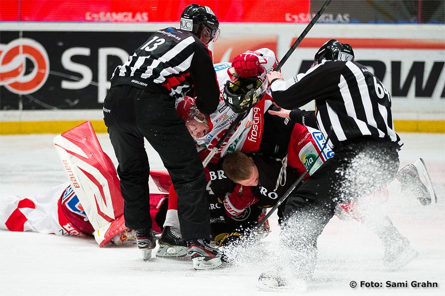 AIK 84 Patric Blomdahl ligger underst i högen