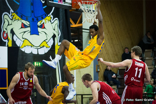Solna 9 Donald Johnson har just hängt in 2 poäng