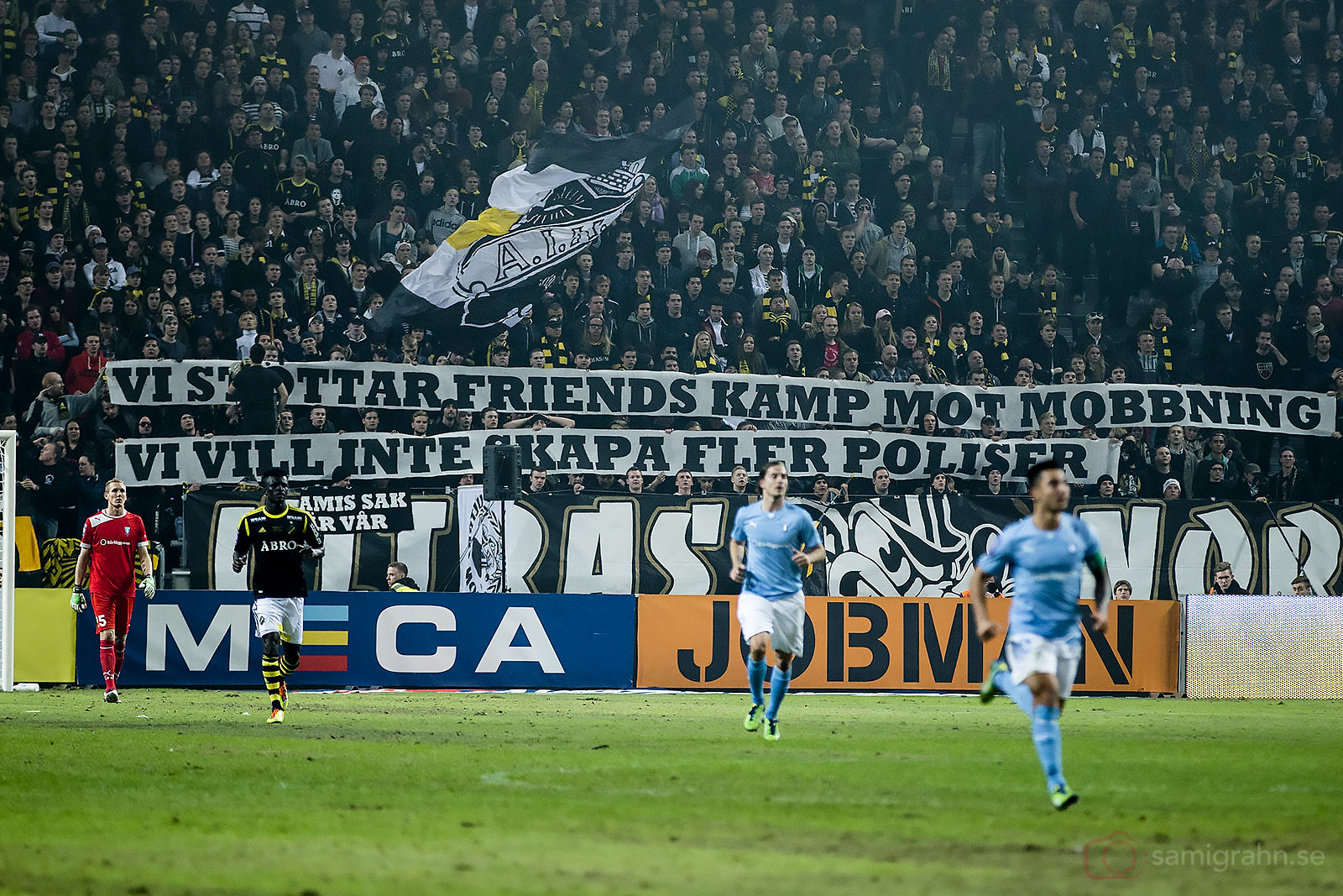 AIK-klacken på Norra Stå i Friends Arena