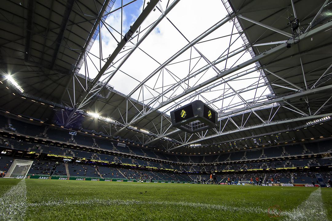 AIK-Halmstad under bar himmel