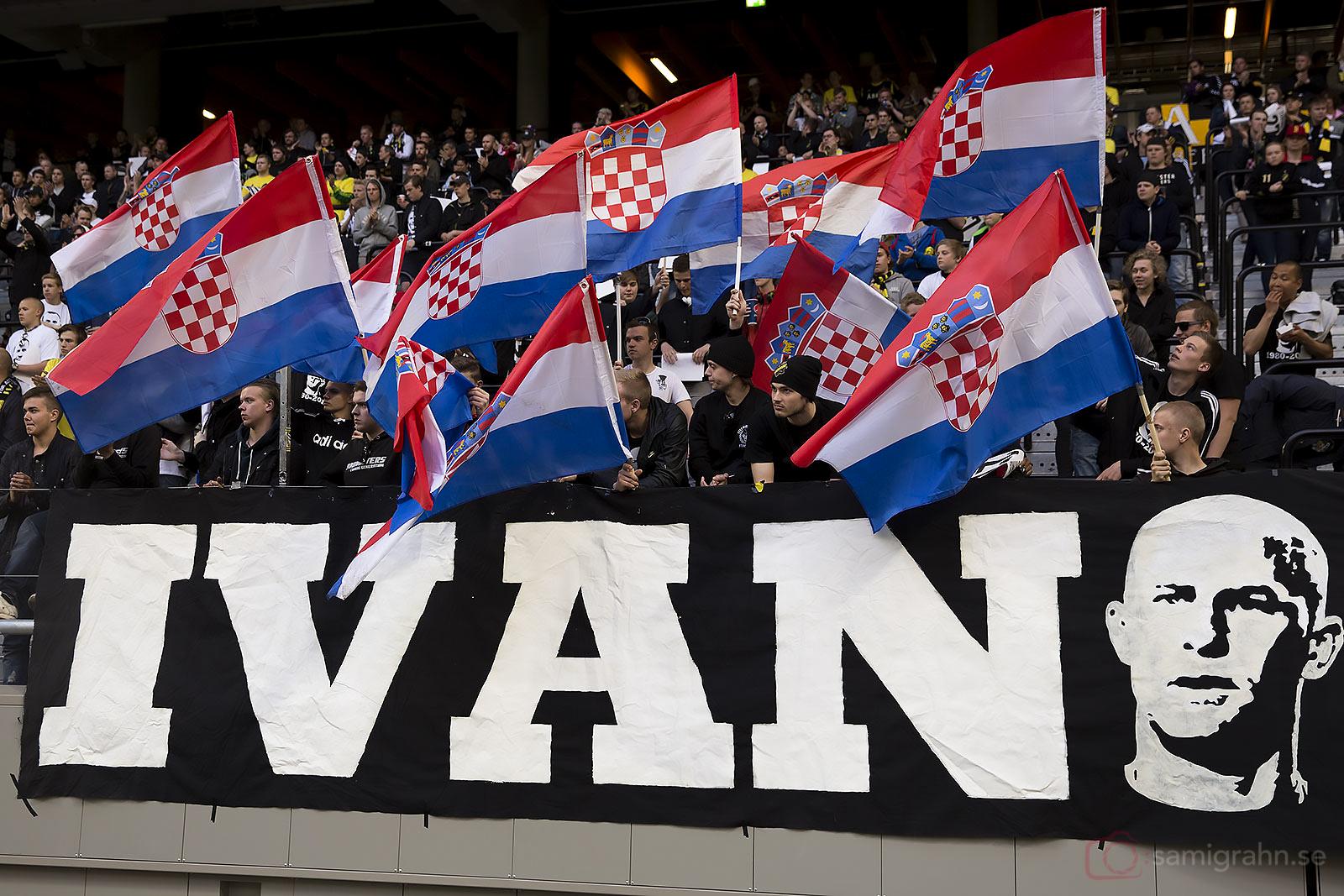 Tillresta supportrar från Kroatien