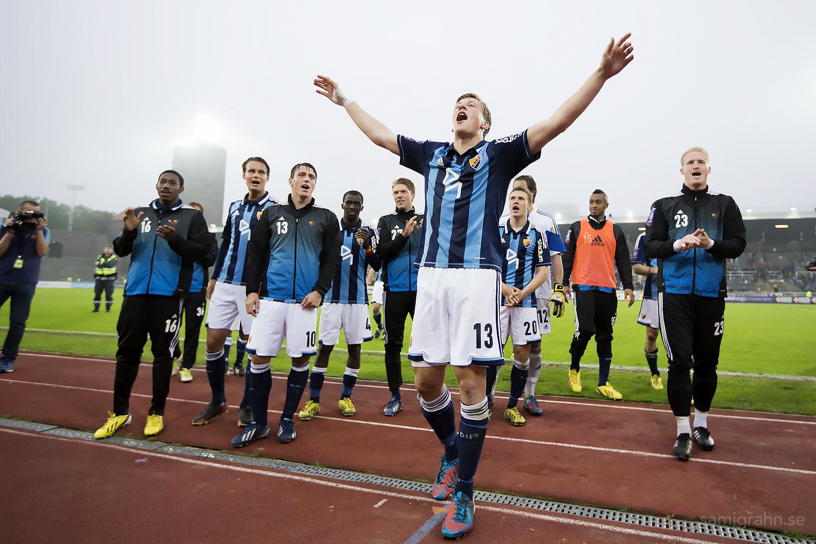 Djurgården Emil Bergström sjunger av glädje efter segern över Halmstad hemma på Stockholms Stadion