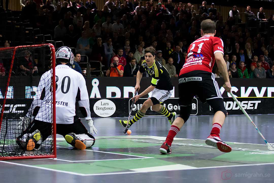Storvreta målvakt Viktor Klintsten och AIK Karl-Johan Iraeus