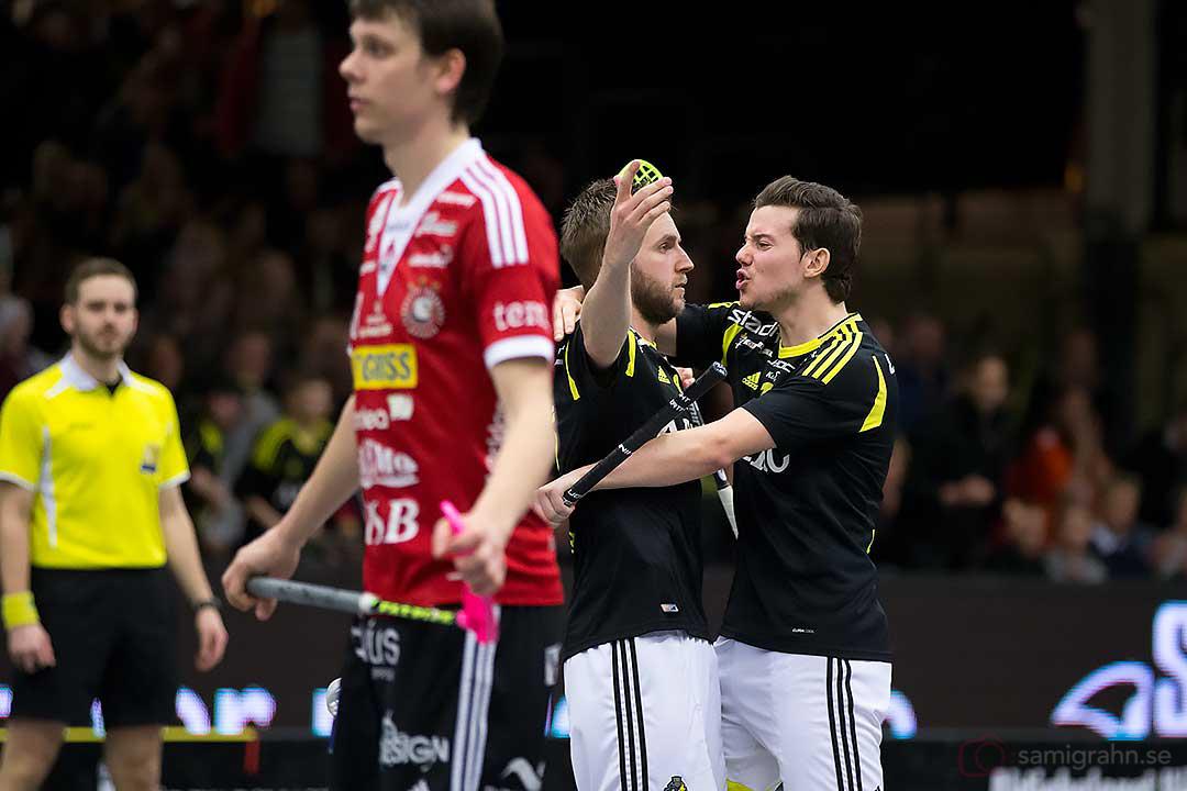 Mål av AIK Patrik Hagberg gratuleras av Karl-Johan Iraeus