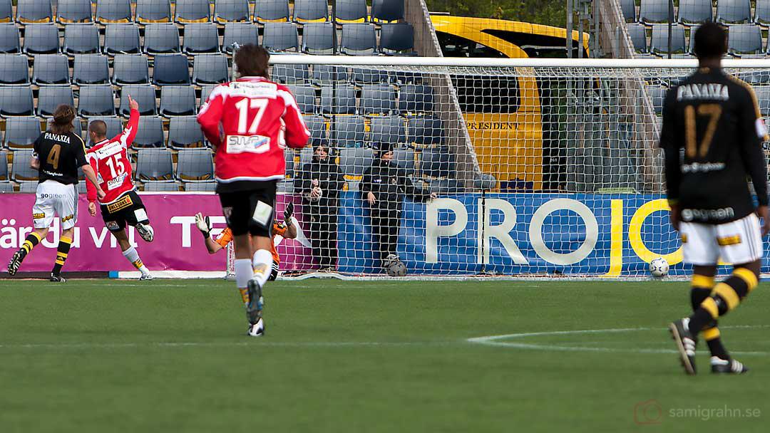 Matchens enda mål av Landskrona Pär Cederqvist