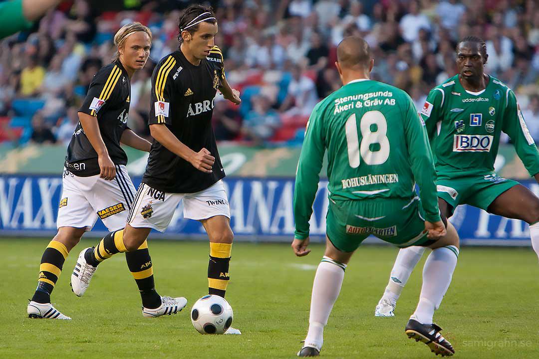AIK Pierre Bengtsson och Jorge Ortiz mot Ljungskile Cedomir Zarkovic