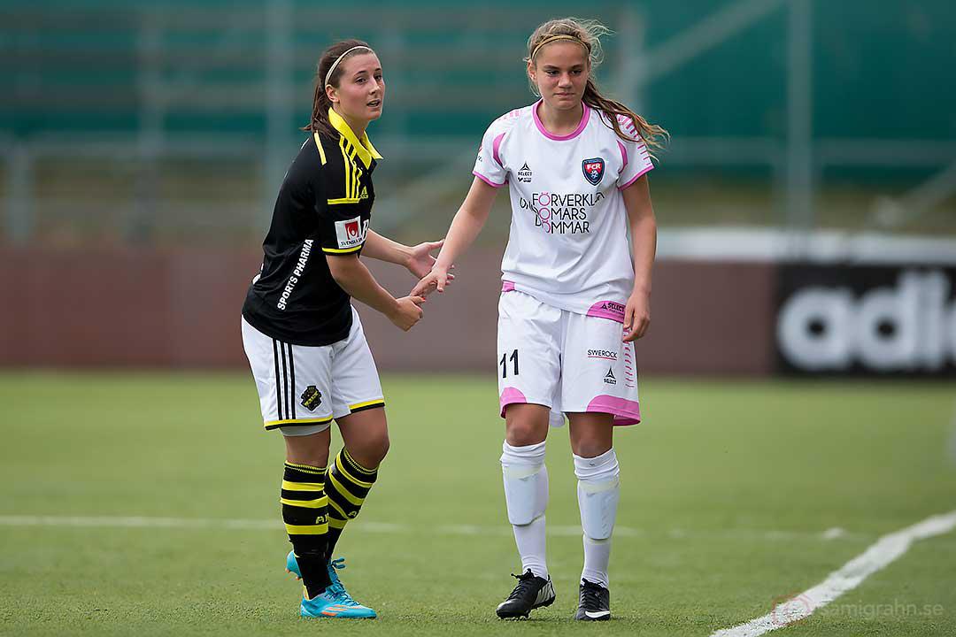 AIK Julia Molin tackar Rosengård Sarah Mellouk