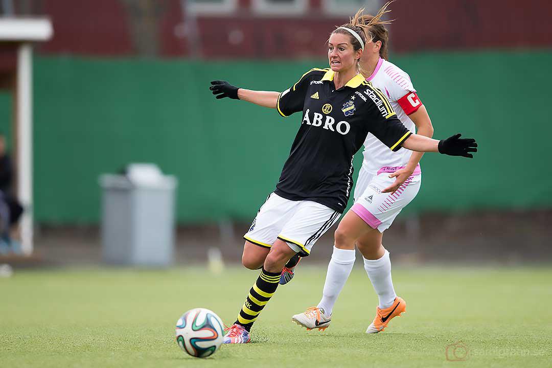 AIK Madeleine Tegström täcker bort Rosengård Sara Björk Gunnarsdottir