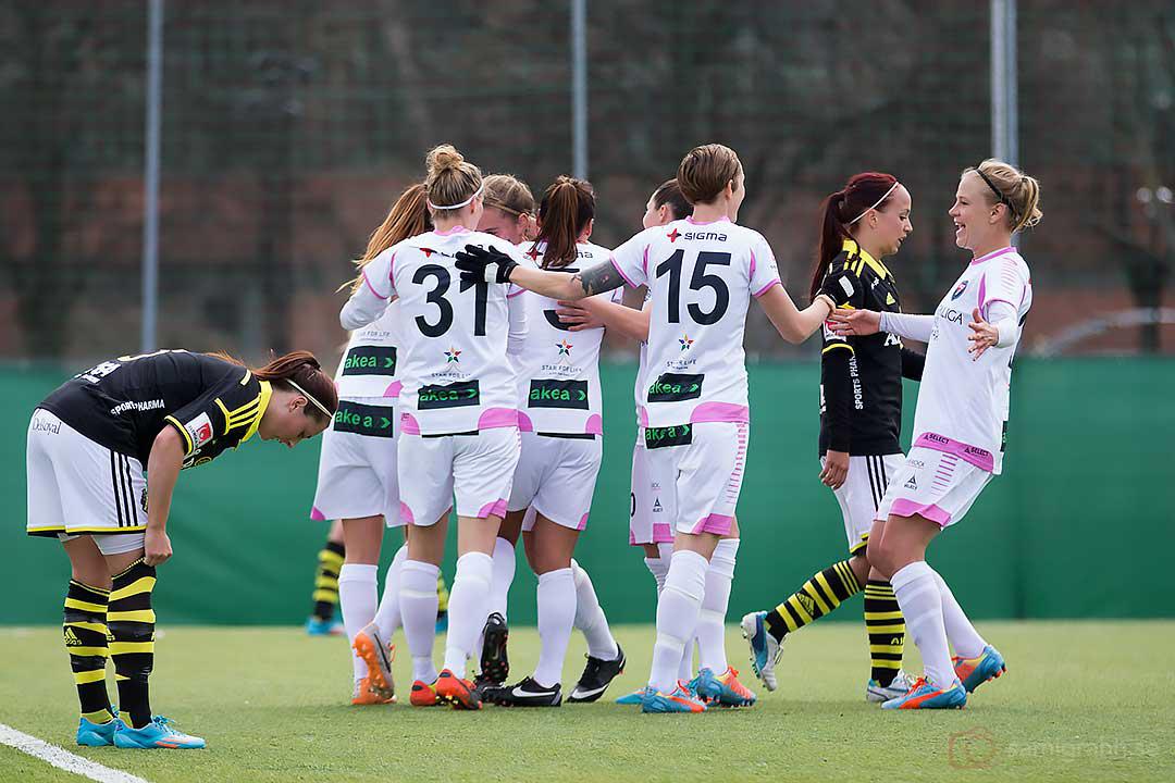 Jubel i Rosengård efter ännu ett mål , depp av AIK Malin Levenstad