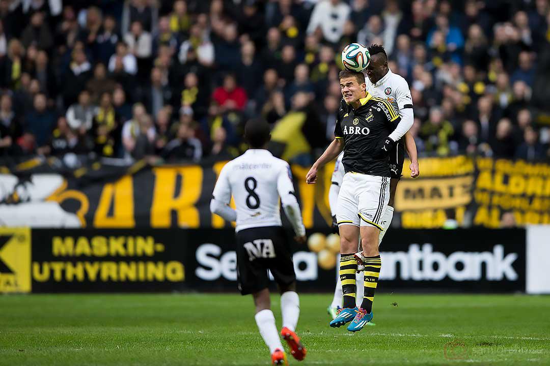 Örebro Samuel Sam Mensah och AIK Eero Markkanen