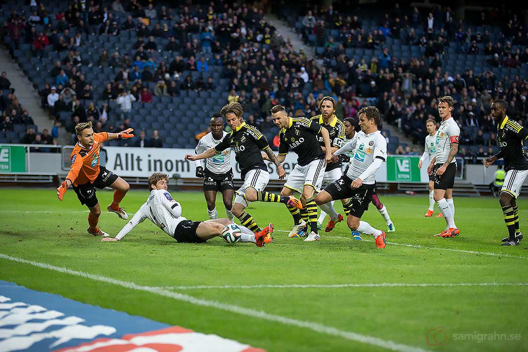 AIK Martin Lorentzson missar öppet mål i slutminuterna