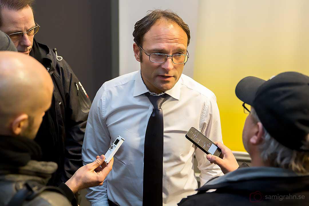 "Örebro tränare Per-Ola ""Peo"" Ljung intervjuas efter matchen"