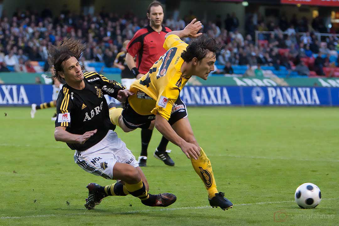 AIK Ivan Obolo i närkontakt med Elfsborg Stefan Ishizaki