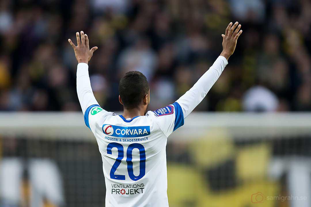 IFK Norrköping Isaac Kiese Thelin med armarna i vädret