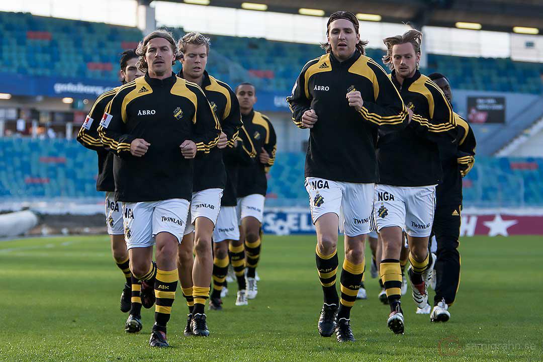 AIK Daniel Tjernström och Nils-Eric Johansson leder uppvärmningen