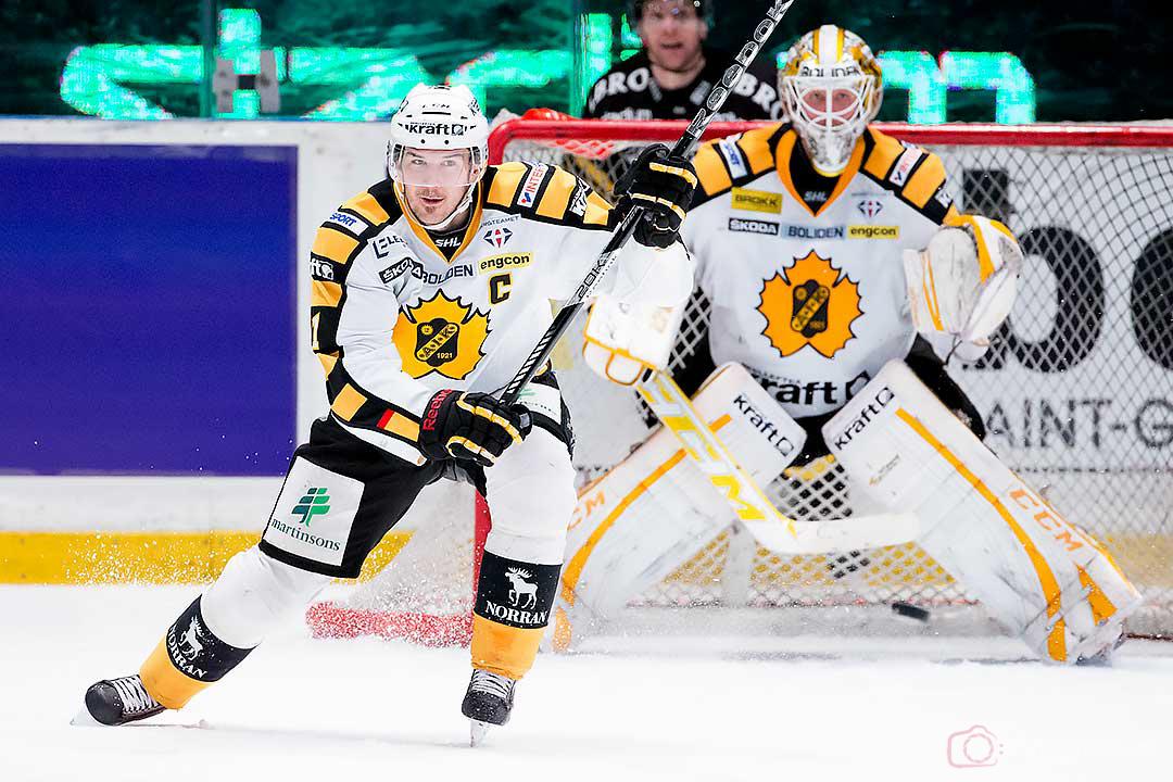 Skellefteå Jimmie Ericsson och målvakt Stefan Steen