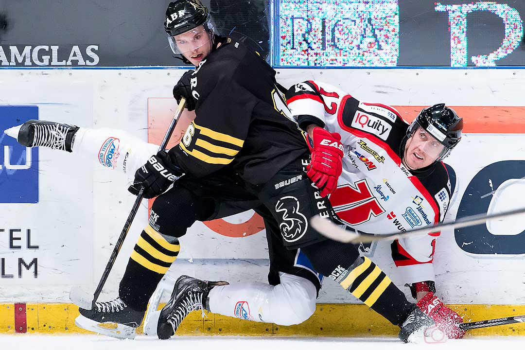 Matchens två övriga målskyttar AIK Theodor Lennström och Örebro Marko Anttila