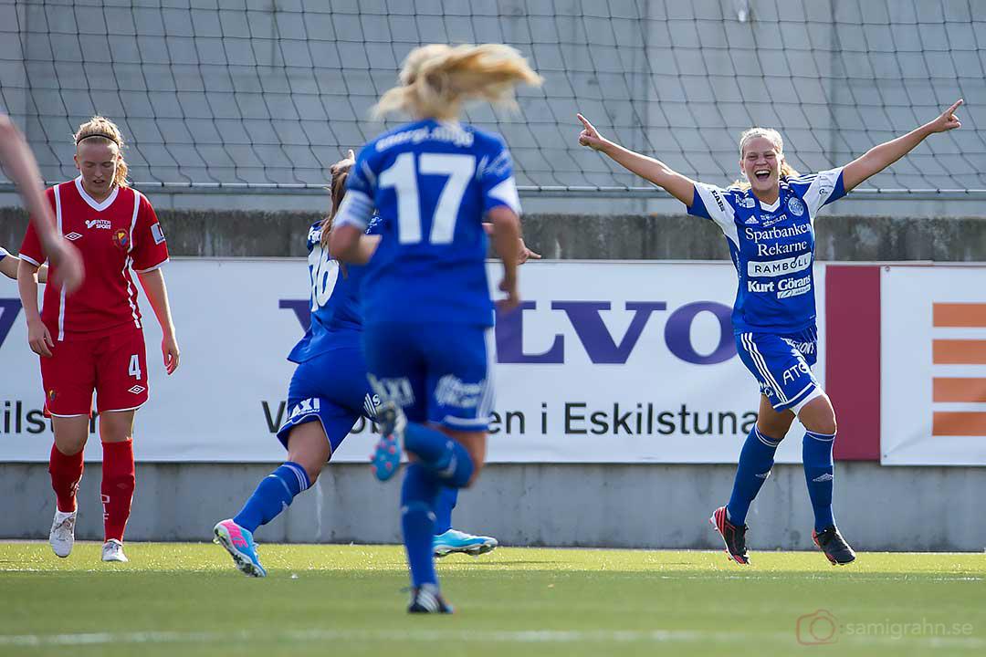 Eskilstuna Frida Svensson firar sitt mål