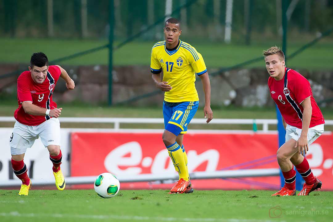 Sverige Robin Quaison i mitten